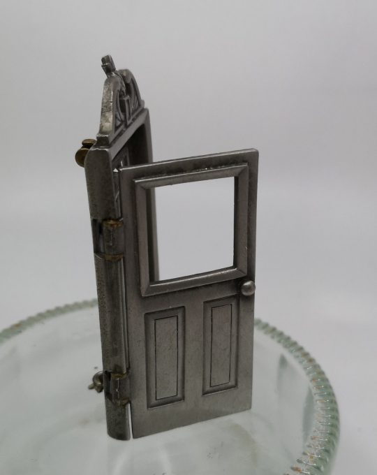 door pewter 1